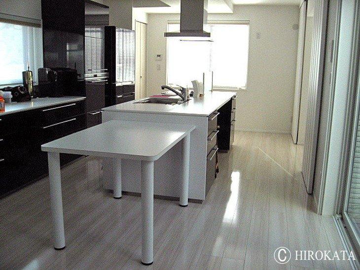 キッチン作業台兼兼用ダイニングテーブル