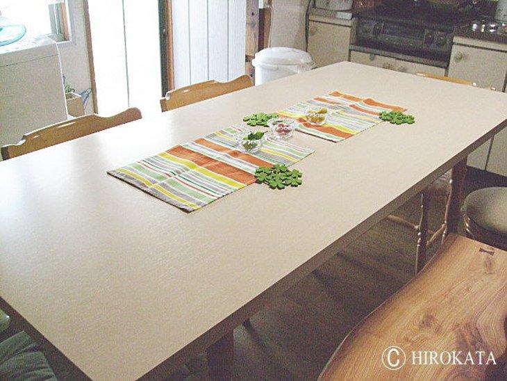 白い木目調のダイニングテーブル天板のみサイズオーダー