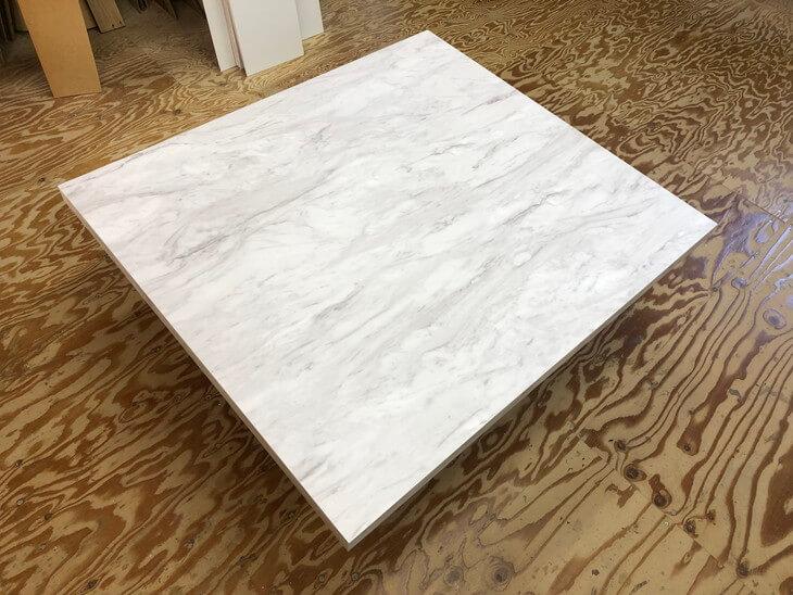 テーブル天板正方形大理石調