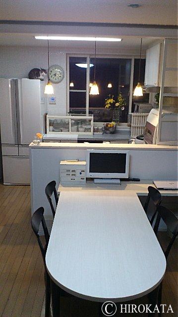 ホワイト(白)ダイニングテーブルのオーダーメイド