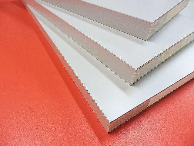 白色ホワイト棚板のオーダーメイド