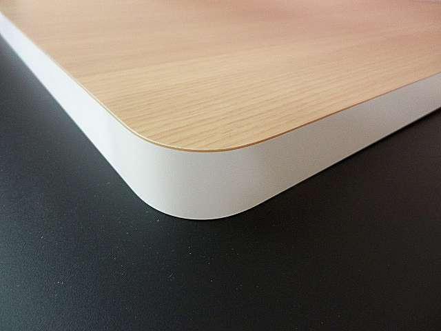 アイカメラミン化粧板で作る天板カウンター 木口の色違い貼り加工、継ぎ目