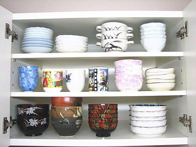 食器棚の棚の増設用の化粧板パネル