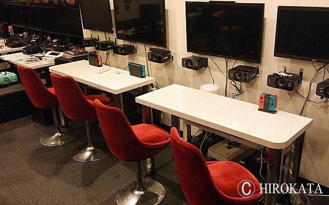ゲーム用カウンターテーブル(店舗什器)