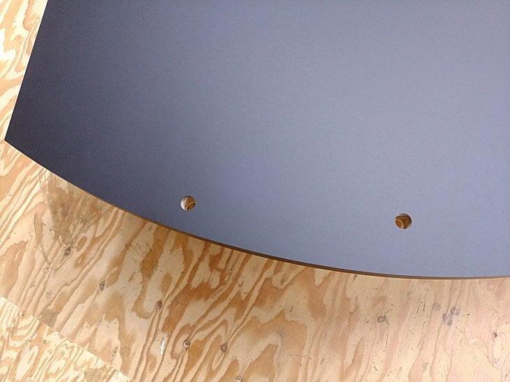 パソコンデスク天板 配線用貫通穴開け加工