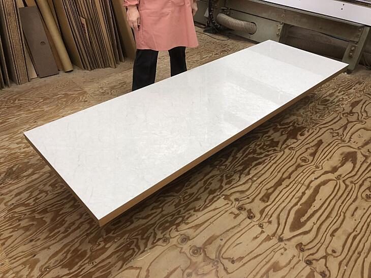 大理石柄のダイニングテーブル天板