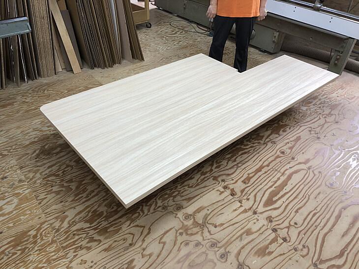 ダイニングテーブル柱型切込み加工