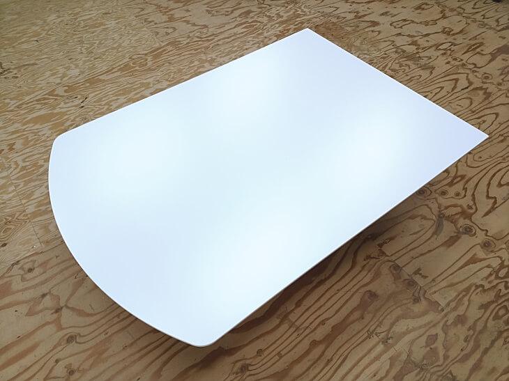 扇型ダイニングテーブル