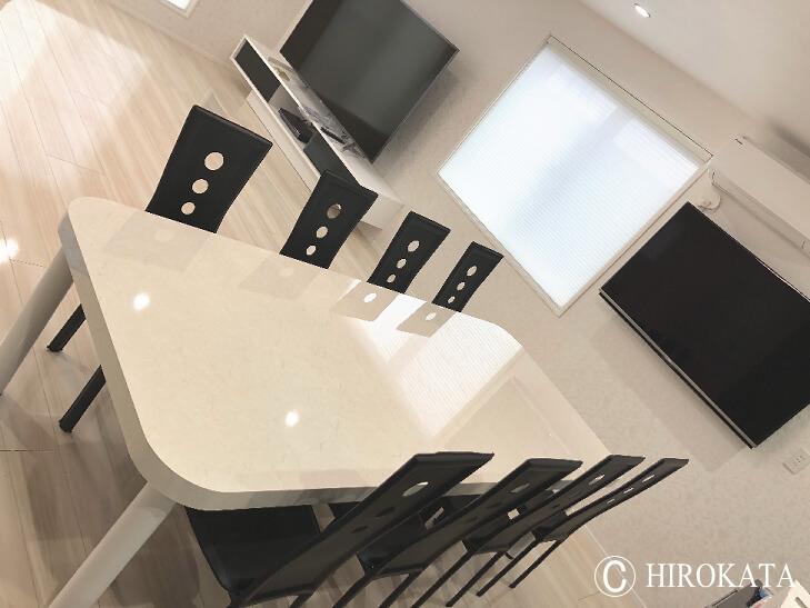 新築 大型ダイニングテーブル 白鏡面