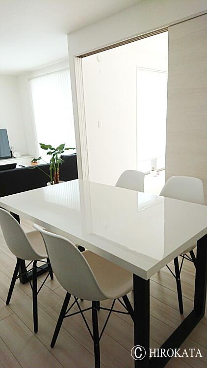 ダイニングテーブル 艶有り 白 鏡面