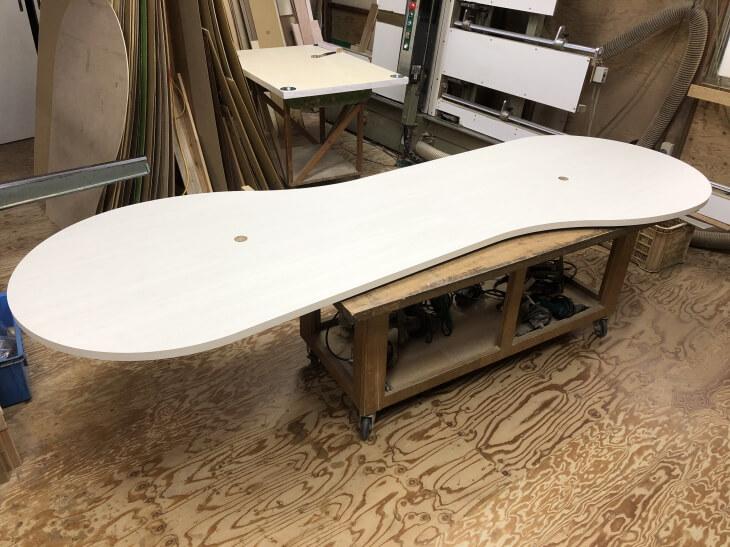 メラミン化粧板販売(アイカメラミン化粧板仕上げの天板加工通販)病院会議用ミーティングテーブル