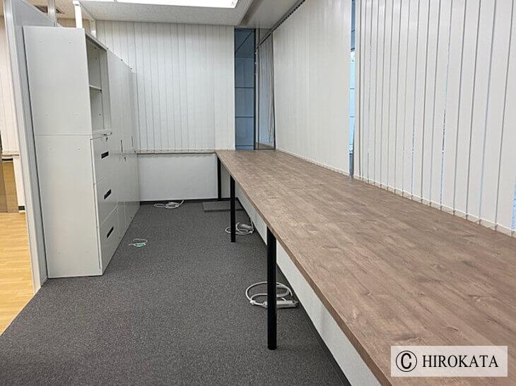 オフィス収納作業台天板の延長リフォーム事例