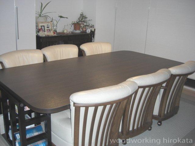 アイカメラミン化粧板 ダイニングテーブル使用例