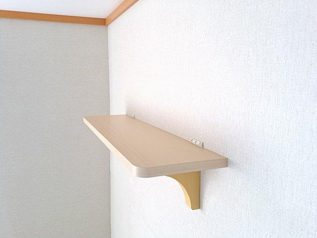 モダンで シンプルな神棚の棚板