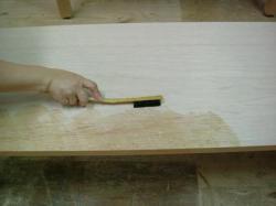 メラミン化粧板を貼るときの刷毛塗り