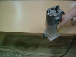 電動工具でメラミンの面取り加工