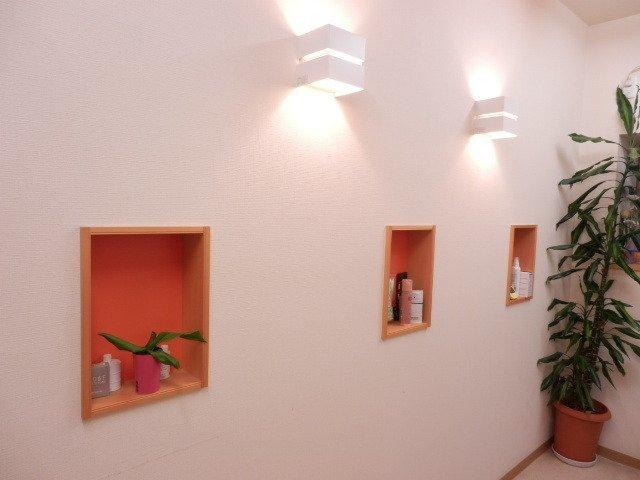 壁埋め込み式ニッチ飾り棚